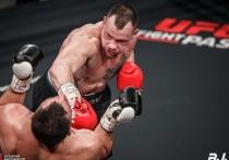 Обнинский боксер с разгромным счетом победил украинского тяжеловеса