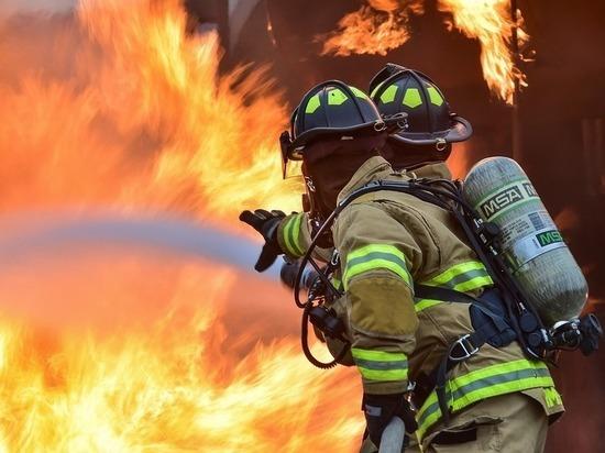 В Тазовском районе сгорел строительный вагончик с людьми