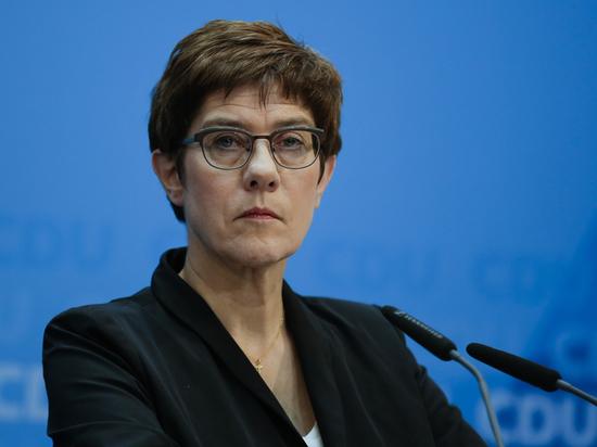 Преемница Меркель потребовала наказать Россию из-за убийства в Берлине