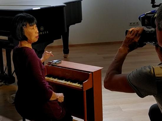 «Королева игрушечного фортепиано» Маргарет Ленг Тан стала звездой фестиваля Re:Formers