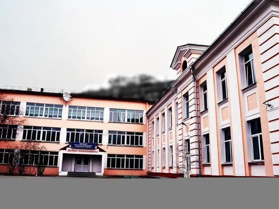 В одной из школ Улан-Удэ внезапно умер мужчина