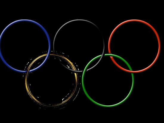 Российским спортсменам разрешили выступать под нейтральным флагом