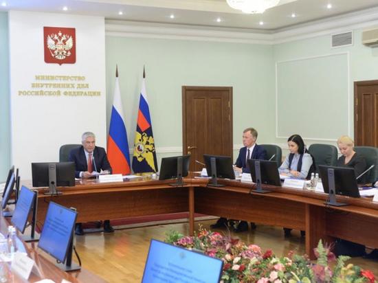 Владимир Колокольцев рассказал о переселении соотечественников в Россию