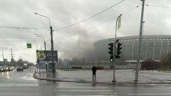 Очевидцы засняли дым, идущий со стороны СКК «Петербургский»