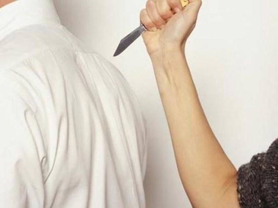 Нож – в спину: ивановка в качестве аргумента в ссоре с мужем использовала холодное оружие