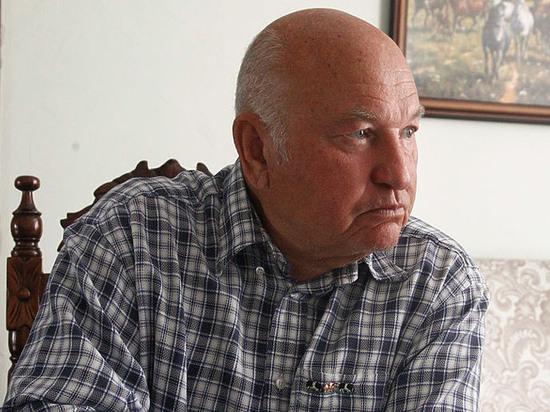 СМИ: семья Лужкова попросила похоронить его на Новодевичьем кладбище