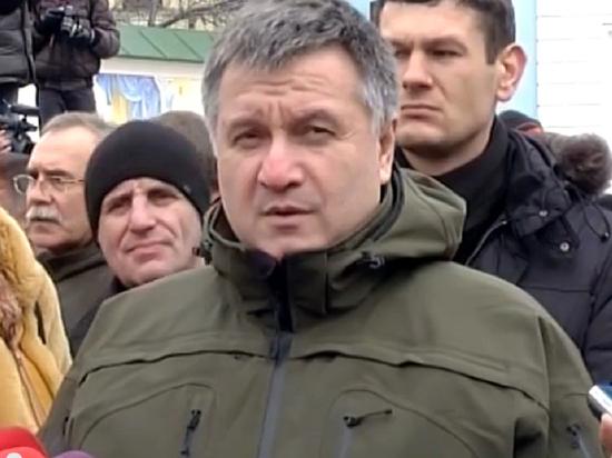 """Аваков рассказал, как Сурков """"психанул"""" на саммите в Париже"""