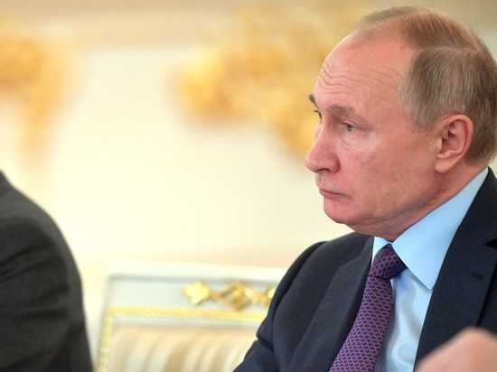 """Путин ответил про """"гламурных тёлочек"""" на Параде Победы"""