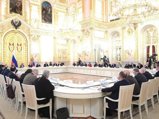 """Путин назвал трагедию Беслана своей """"болью на всю жизнь"""""""