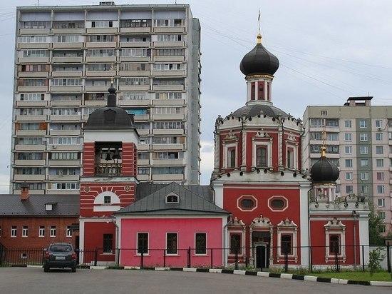 Загадочный стрелок более пяти лет терроризирует храм в Москве