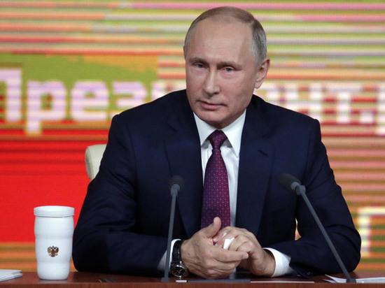 Путин согласился подумать над возвращением в суды присяжных дел взяточников