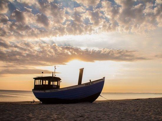 В Японском море найден пустой российский катер: экипаж таинственно исчез