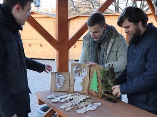 В Иванове устанавливают новогодний городок