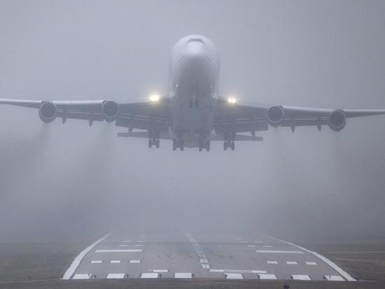 Самолет из Томска в Абакан ушел на запасной в Шушенское