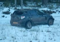 Машину в утиль, девушку в больницу: в Костромской области автоледи улетела в кювет