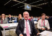 Крэйг Риди, выполнив, пожалуй, главное дело в своей профессиональной жизни — отправив Россию на четырехлетний бан, — уходит в отставку с поста президент WADA в конце декабря. Иностранные журналисты поют оды 78-летнему шотландцу, который, по их мнению, вывел WADA на новый уровень.