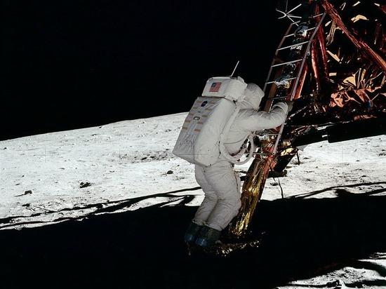 NASA решило опять высадить людей на Луну