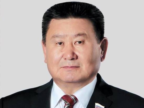 С уходом Левченко покинет сенат и лидер коммунистов Бурятии Вячеслав Мархаев