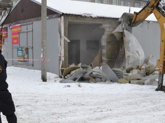 В микрорайоне Ново-Ленино в Иркутске сносят незаконные торговые ряды