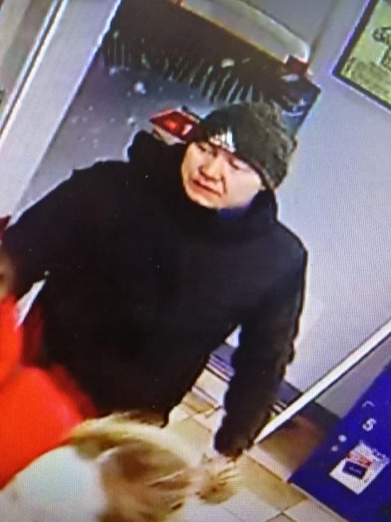 В Улан-Удэ ищут похитителя мужской куртки