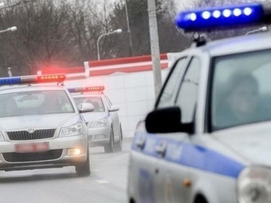Двух пьяных жителей Тюмени задержали при попытке выбросить пистолет