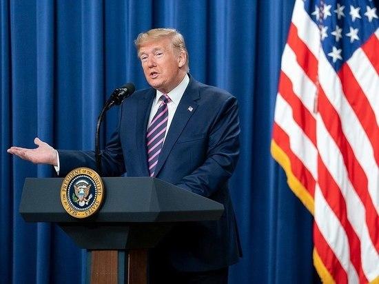 Трамп приласкал перебежчика: бои вокруг импичмента продолжаются