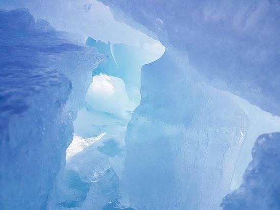 В Менделеевском районе рыбак провалился под лед на снегоходе