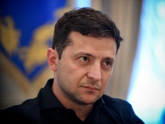 Зеленский осудил массовые протесты близ здания Верховной рады в Киеве