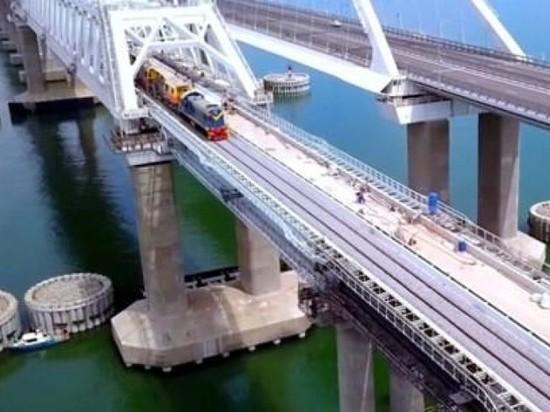 Минтранс: движение по Крымскому мосту ограничат на 8 дней