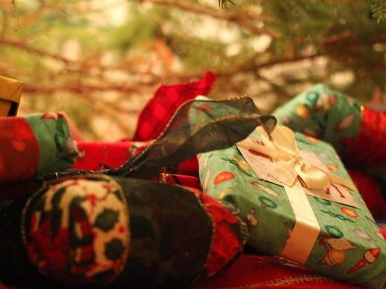 Ученые назвали неожиданные подарки, способные сделать детей счастливыми