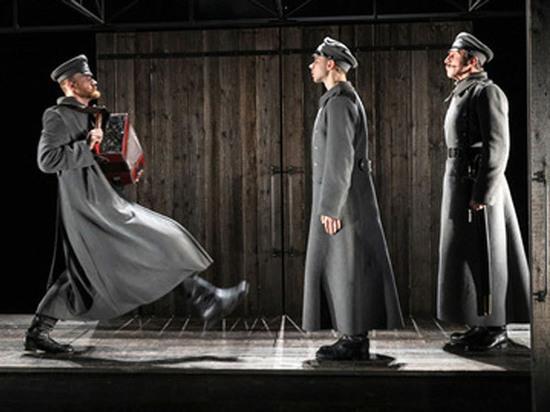 Неизвестного театру «Сахарного немца» поставил ученик Сергея Женовача Уланбек Баялиев