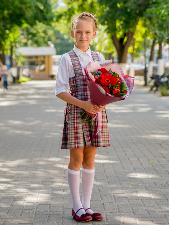 Будь в форме: в Тверской области детей из больших семей оденут к школе