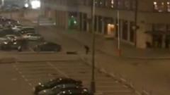 Ранение одного из участников перестрелки на Лубянке попало на видео