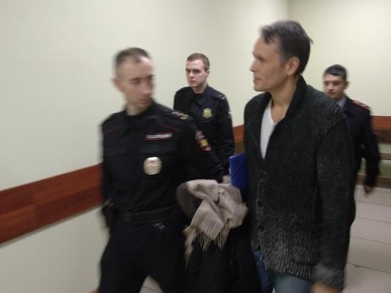 Вечером 19 декабря бывшего мэра Кимр Максима Литвинова арестовали в зале суда