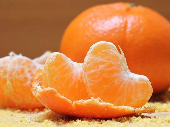 Установлено, сколько мандаринов можно съесть за один раз