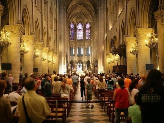 Нотр-Дам остался без рождественской мессы впервые за 200 лет