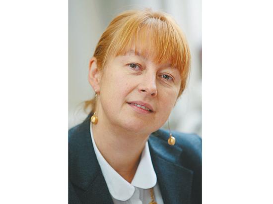 «МК» поздравляет Елену Вартанову с днем рождения