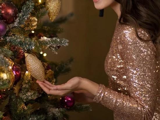 Модный эксперт назвал правильный цвет платья на Новый год