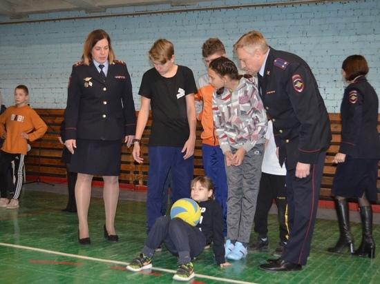 В Ивановской области проходит акция «Полицейский Дед Мороз»