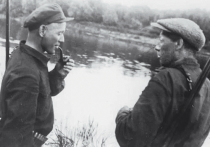 В сохранившихся разрозненных номерах «Юношеской правды» за 1922 год я не нашел первой публикации Василия Кудашева