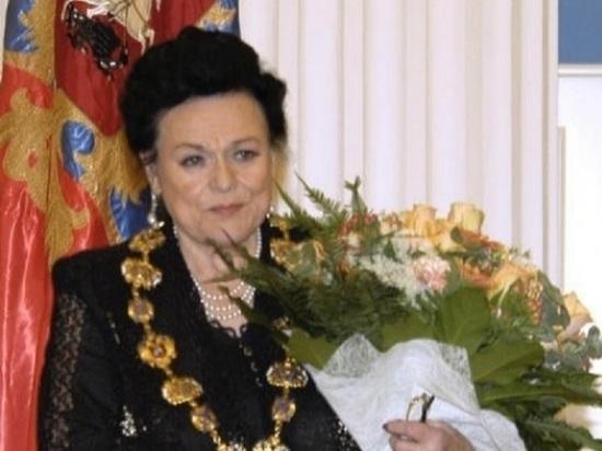 Любимые серьги Людмилы Зыкиной продали за 2,3 млн рублей