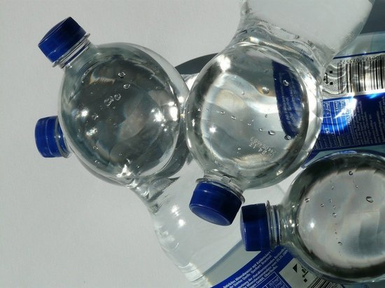 Диетолог рассказала об опасности питья минеральной воды