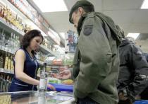 Государство основательно взялось за рынок крепких спиртных напитков: с 1 января 2020 года, согласно приказу Минфина, минимальная цена 0,5 литра сорокаградусной водки составит 230 рублей вместо прежних 215, а коньяка — 433 вместо 388