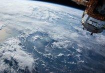 Спутник Роскосмоса подбил метеорит