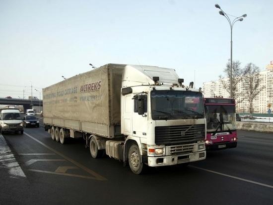 Количество рабочих часов для водителей автобусов и фур в России ограничили