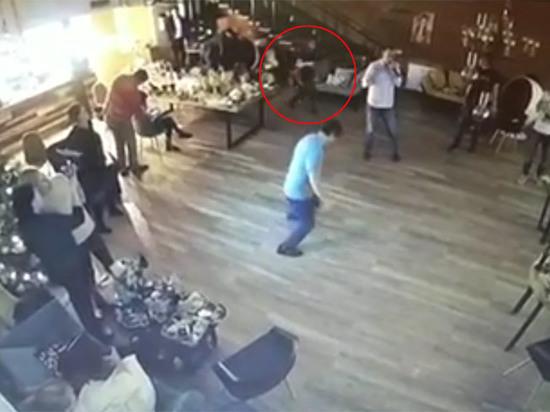Пьяная девушка перед случившимся жаловалась коллегам на отсутствие любви