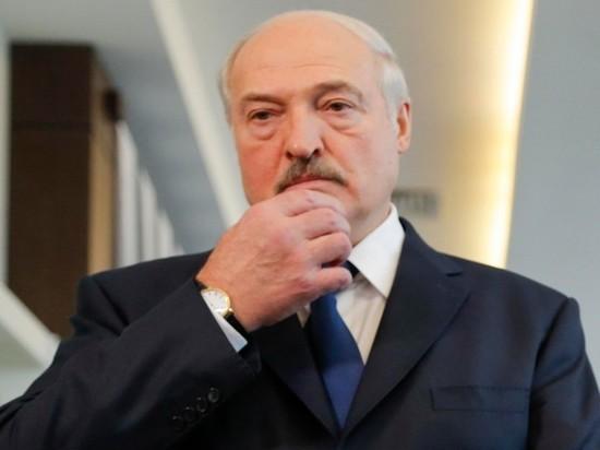 Лукашенко: Россия каждый год пытается прессовать Белоруссию