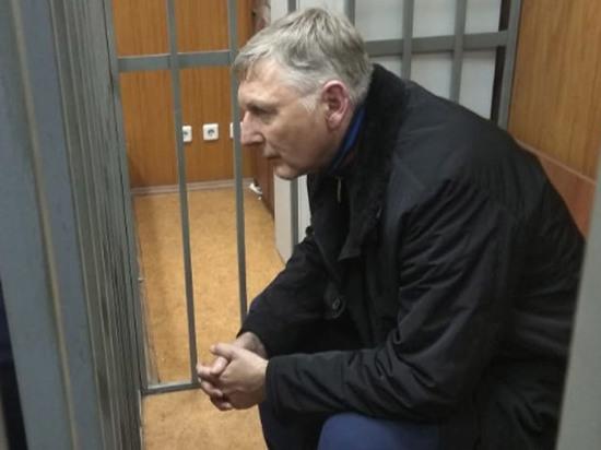 В суде описали богатства таможенного начальника Кизлыка: золотые слитки, брендовые часы