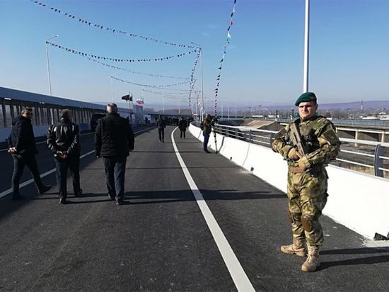 На границе России и Азербайджана открыли новый мост