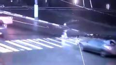 Мужчина на гироскутере попал под автомобиль в Твери